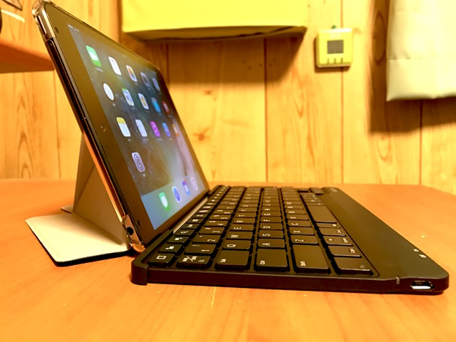 iPad mini 4のキーボード TK-FBP073IBK スタンド