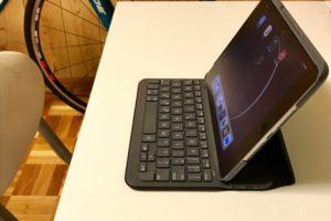 ロジクール iK0772 キーボードケース for iPad mini 4を購入 トップ
