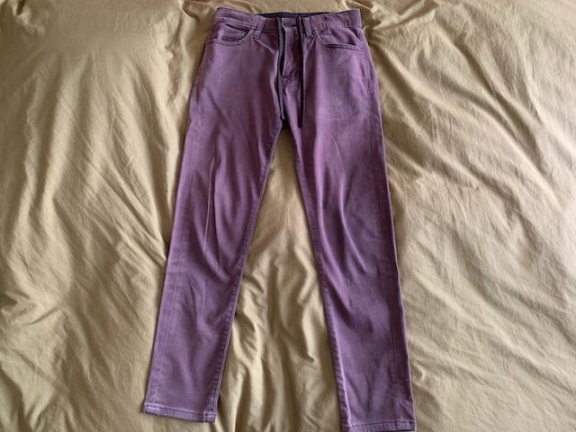 ユニクロの「EZYスキニーフィットカラージーンズ」を購入。1年後の使用感