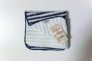 無印良品のメガネ拭き付きタオルハンカチ。アイキャッチ