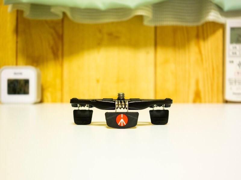 Manfrotto(マンフロット)のPOCKET三脚S ブラック(MP1-BK )。アイキャッチ