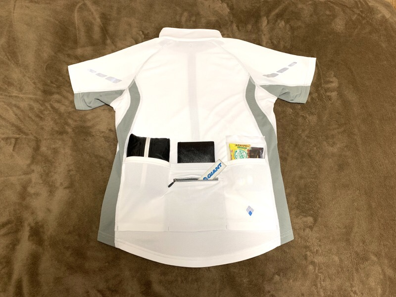mont-bell(モンベル )サイクール ショートスリーブジップシャツ Men's。背面ポケット